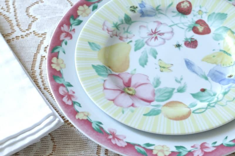 Sweet and Simple Table Setting Pflaltzgraff Grandma's Kitchen