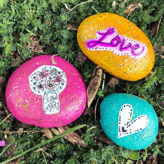 Garden art stones