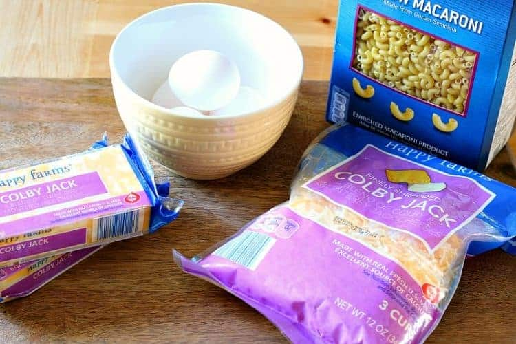 Homemade oven-baked macaroni and cheese - ingredients