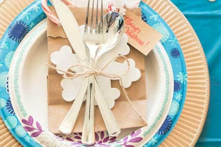 Easy, Inexpensive, and Pretty Christmas Table Setting