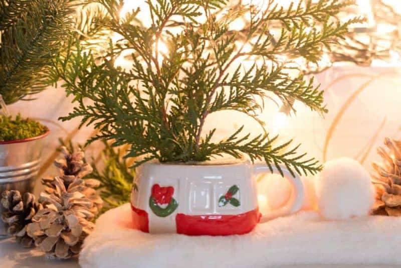Dollar Store Vintage Camper Mug Christmas Centerpiece