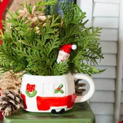 How To Make a Vintage Camper Mug Christmas Centerpiece