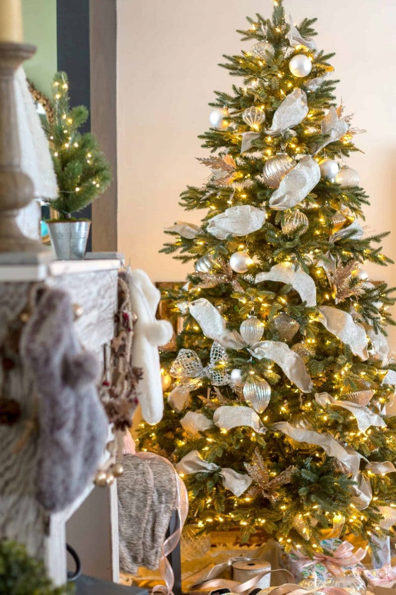 How to decorate a french country christmas tree home How do i decorate my christmas tree with ribbon