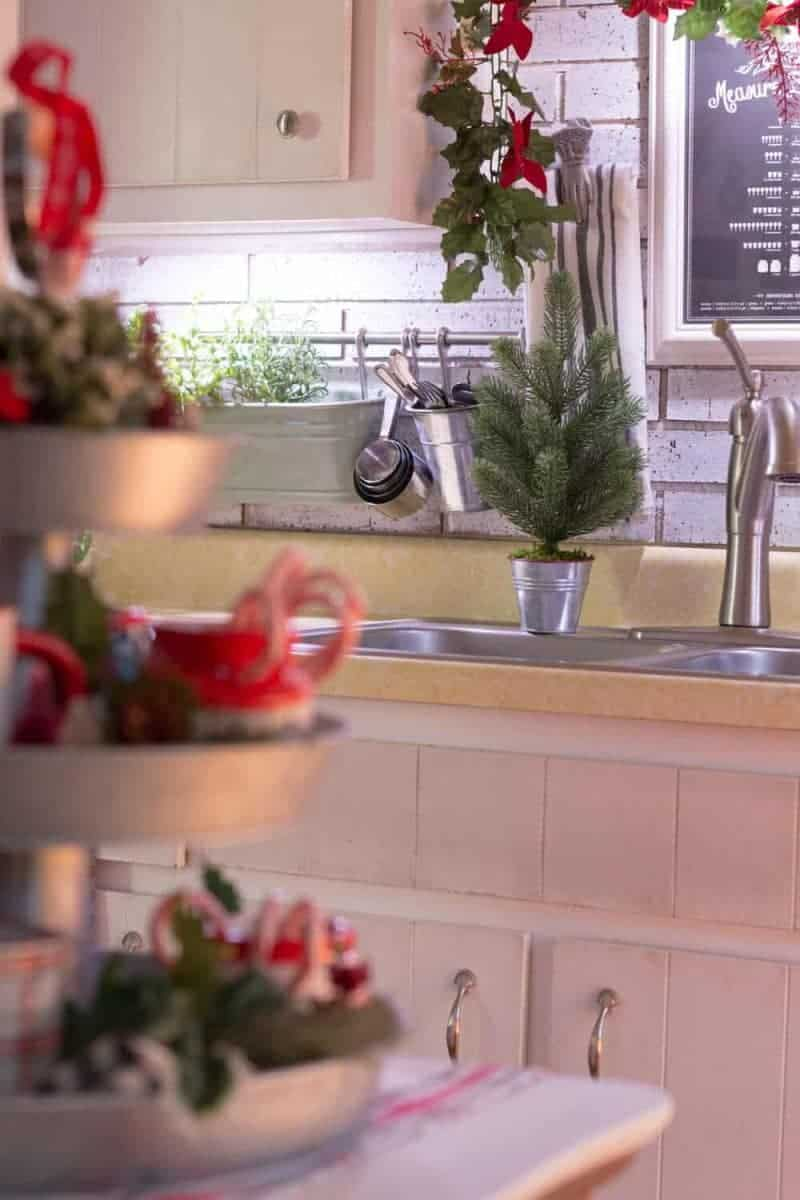 How I Decorate My Kitchen For Christmas The How To Home