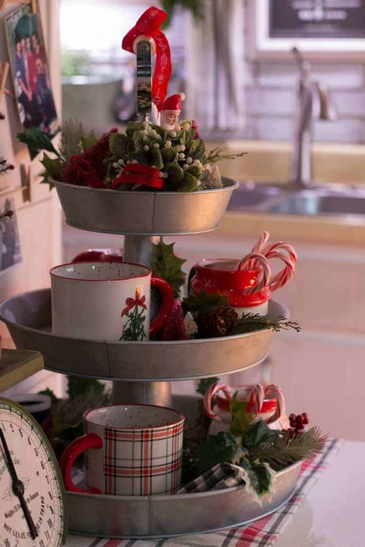 Kitchen Decor for a Farmhouse Christmas