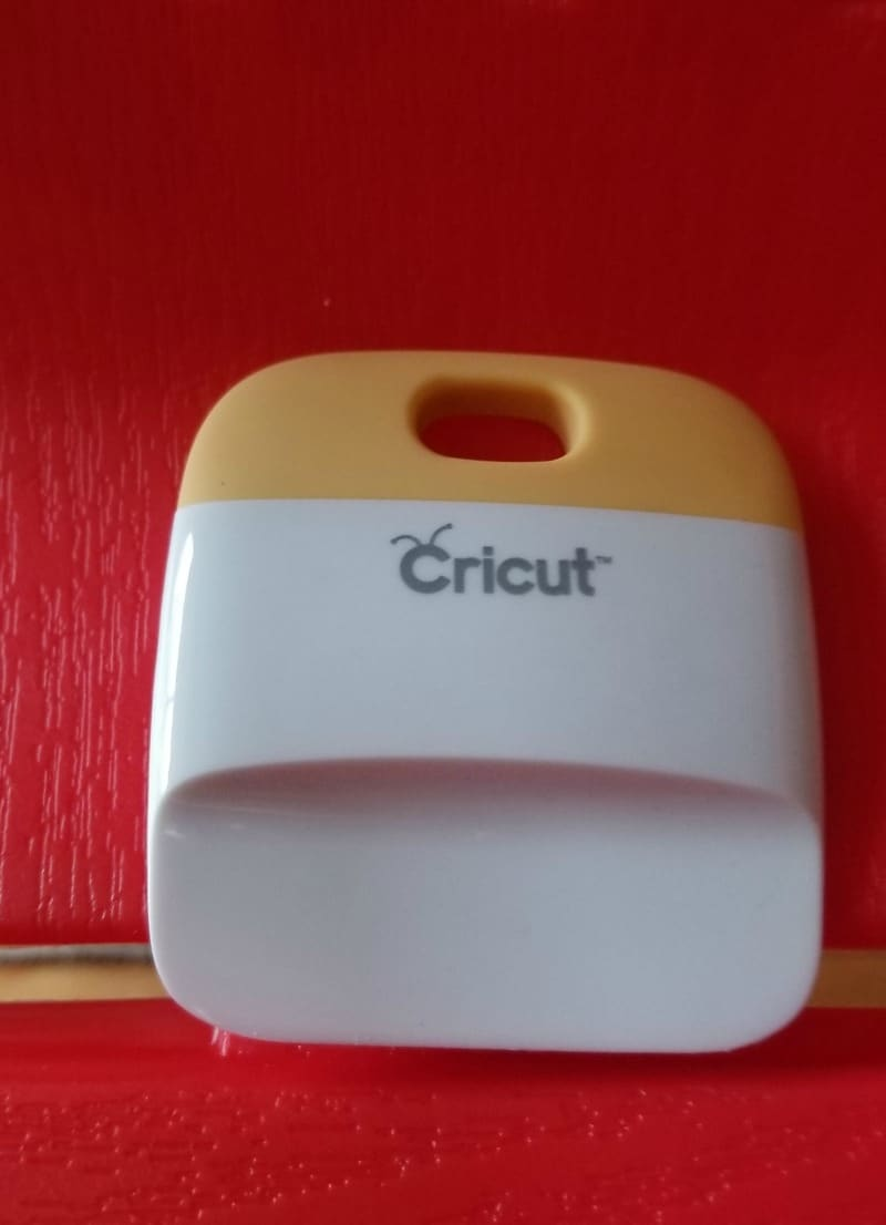 Cricut Accessory for adhering vinyl to surfaces - squegee