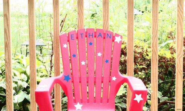 Patriotic Cricut Craft -Toddler Chair