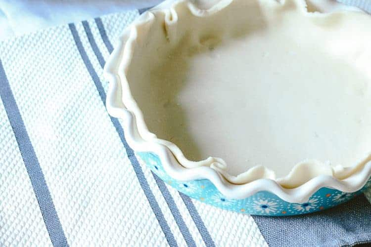Pioneer Woman Pie Plate with bottom pie crust