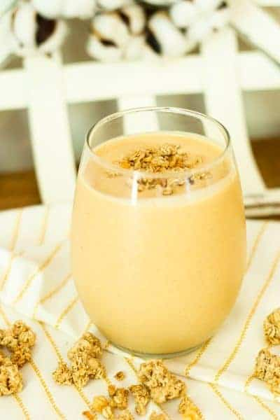 Healthy Pumpkin Pie Smoothie with granola