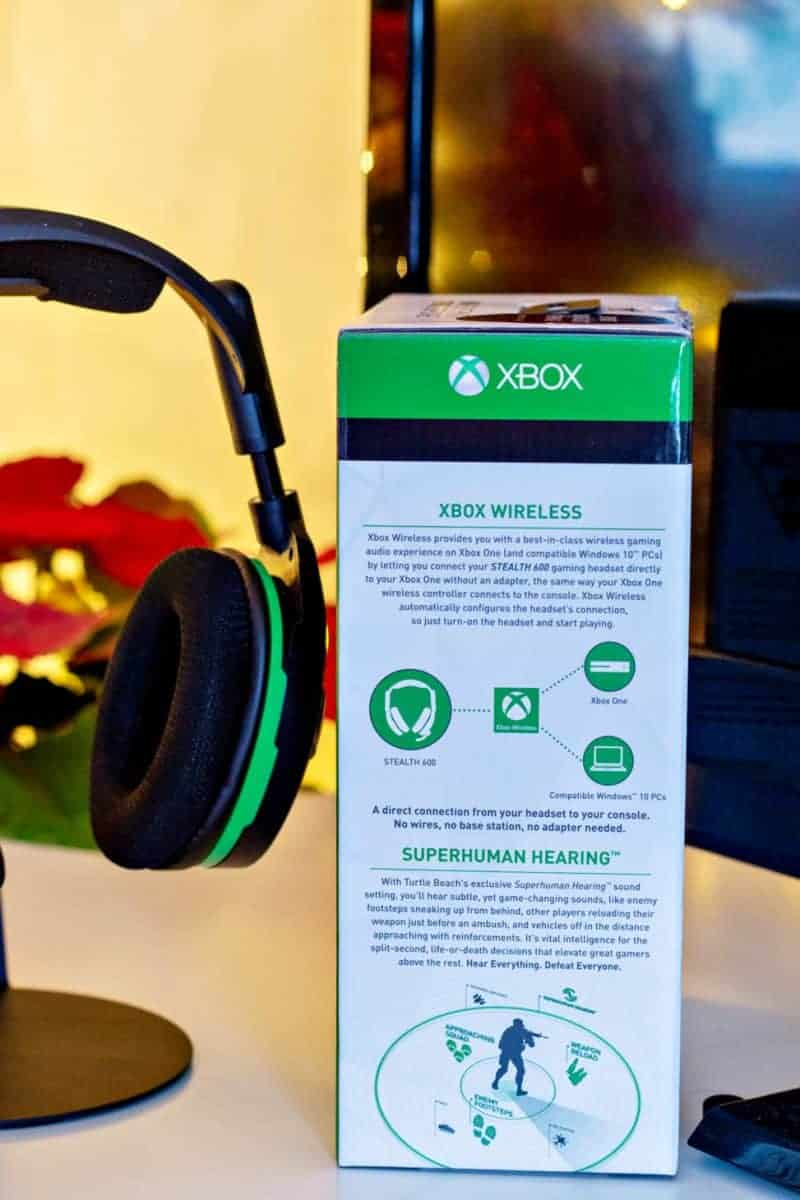 Turtle Beach Stealth 600 headsets on Stand - Black for Xbox One - Side of Box with wording concerning sound benefits