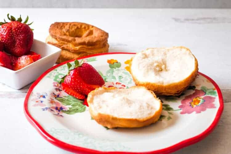 Air Fryer Shortcake on a pretty Pioneer Woman plate