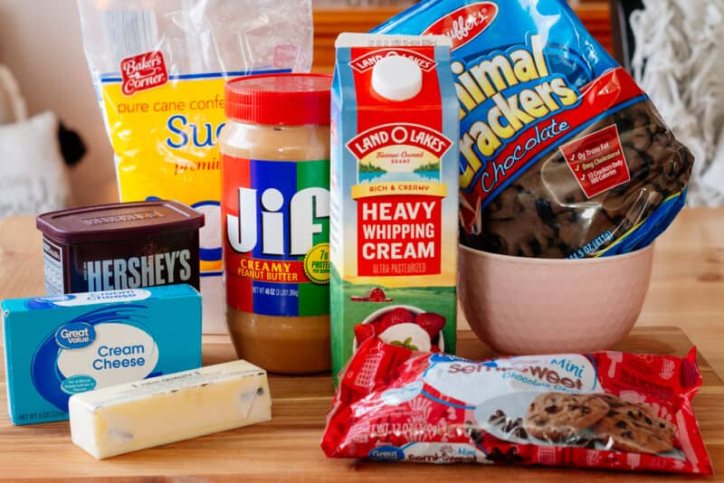 Ingredients used to make chocolate peanut butter pie