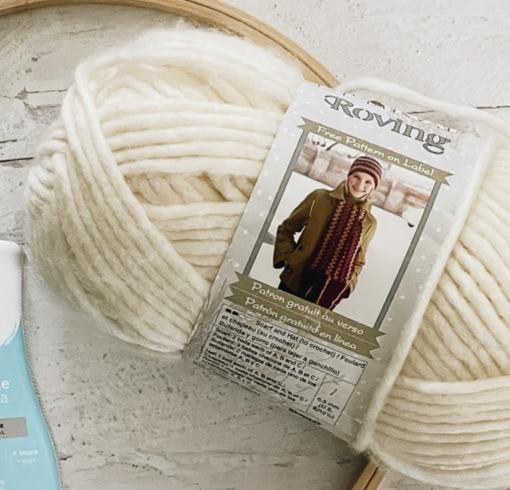 Amazon.com: Bernat Roving Yarn, 3.5 oz, Gauge 5 Bulky, Rice Paper