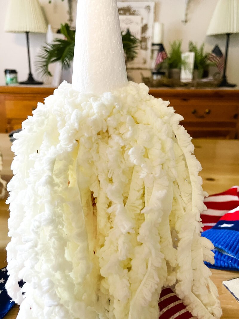 Front view of a double yarn beard for a patriotic gnome