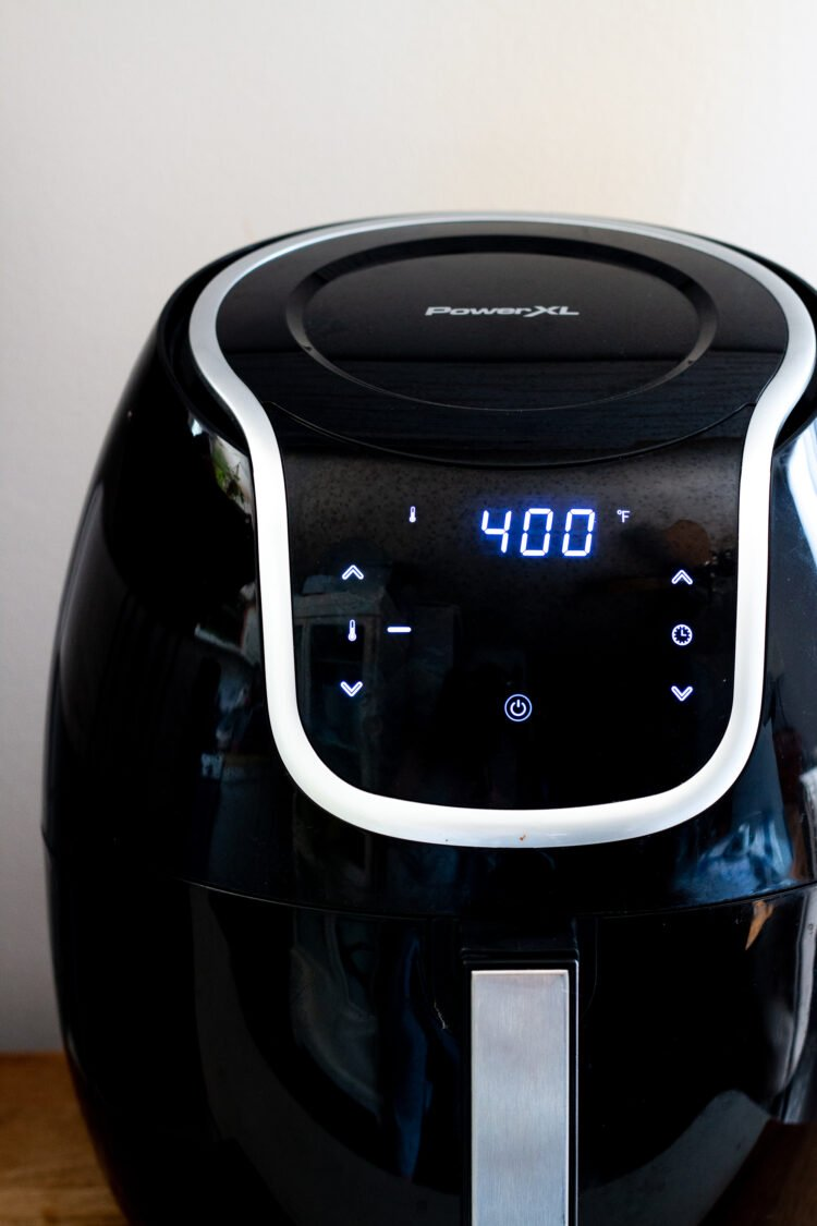front view of Power XL Air Fryer set to 400 degrees